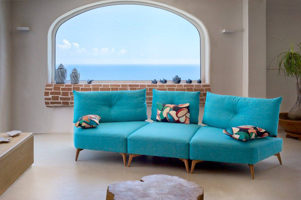 Caliaitalia - How to choose a sofa for your second home.
