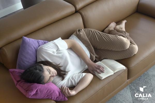 dormire sul divano cover WEB